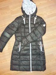 Продам недорого . пуховик пальто. куртку. Красивый. теплый. Состояние на ф