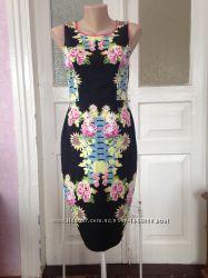 Яркое платье котоновое миди в идеале