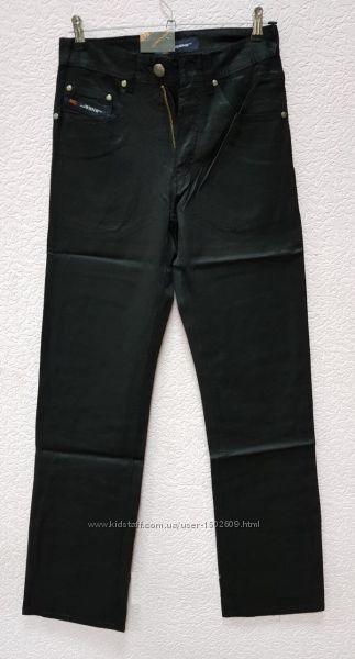 Акция Классические черные джинсы