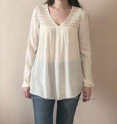 Блузка молочного цвета с ажурной вышивкой Promod