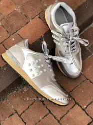 Серые серебристые кроссовки в стиле Valentino