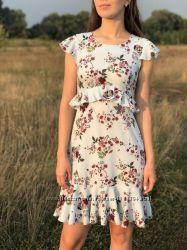 РАСПРОДАЖА Красивое черно-белое голубое платье с рюшами s 44