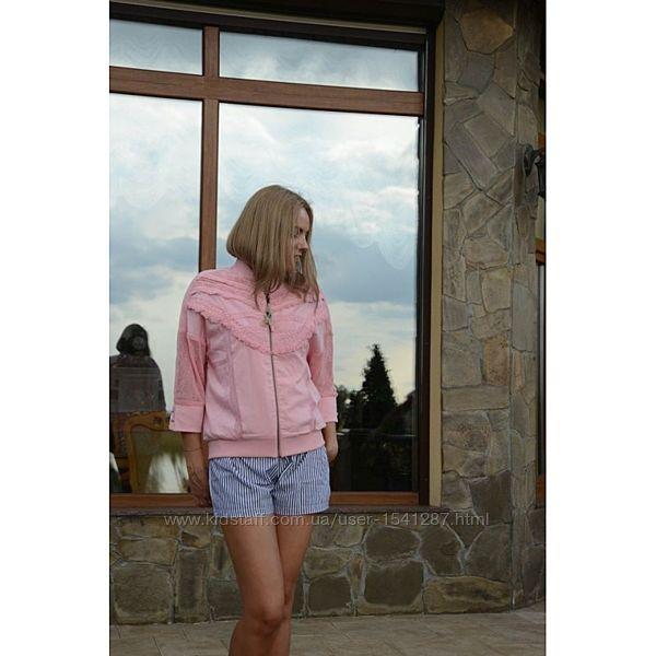 Розовая куртка ветровка бомбер