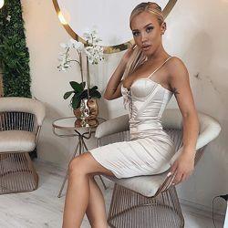 Oh Polly  корсетное романтичное нежно золотиское платье миди обтягивающего