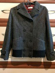 Стильная куртка из шерсти 44рр
