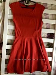 Яркое трикотажное платье 10рр