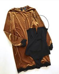 Платье велюровое с кружевом 18р