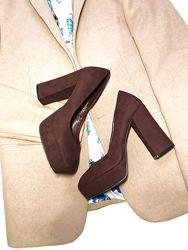 Туфли на массивном каблуке р.7 41