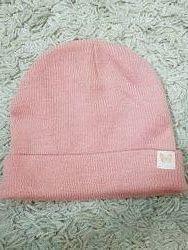 Розовая шапка Primark
