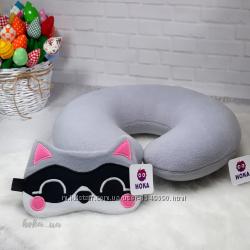Комплект автомобильная подушка - подголовник, маска для сна.
