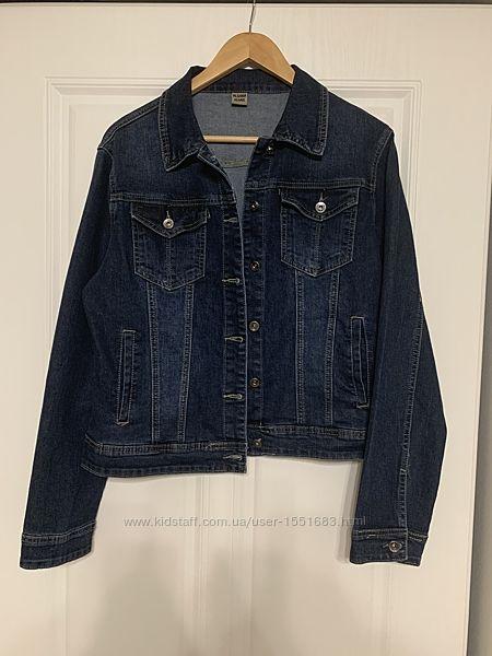 Жіноча джинсова куртка великі розміра