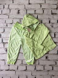 Салатовый велюровый костюмчик теплый детский комплект штаны и кофта