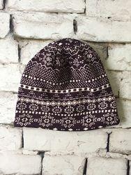 Детская шапка теплая темно фиолетовая принт