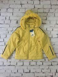 Объемная подростковая куртка на девочку спортивная цвета чеддер