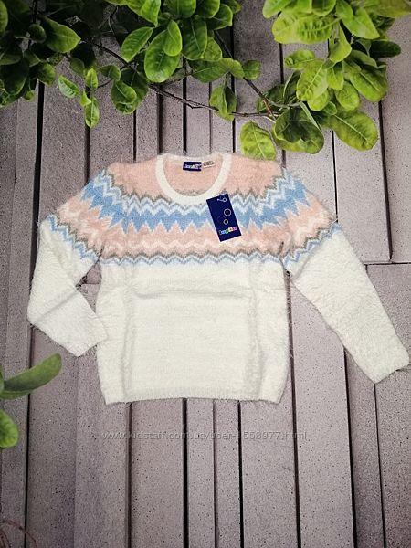 Мягкий пуловер из пряжи травка для девочки