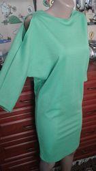 Стильное платье-миди с полуоткрытой спиной и плечами 38м