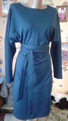 Stets изумительное силуэтное изумрудное миди-платье с поясом 44-46р