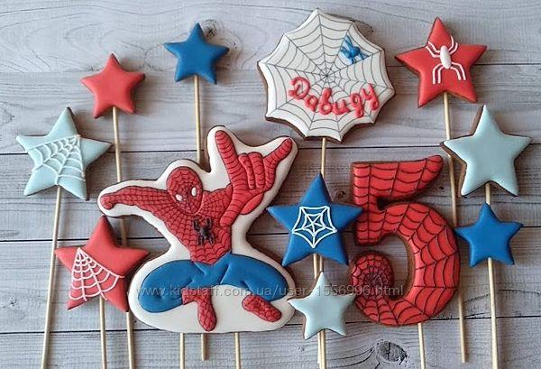 Пряники-топперы на торт Человек-паук
