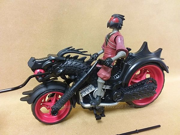 Черепашка ниндзя гонщик на мотоцикле с катапультой оригинал