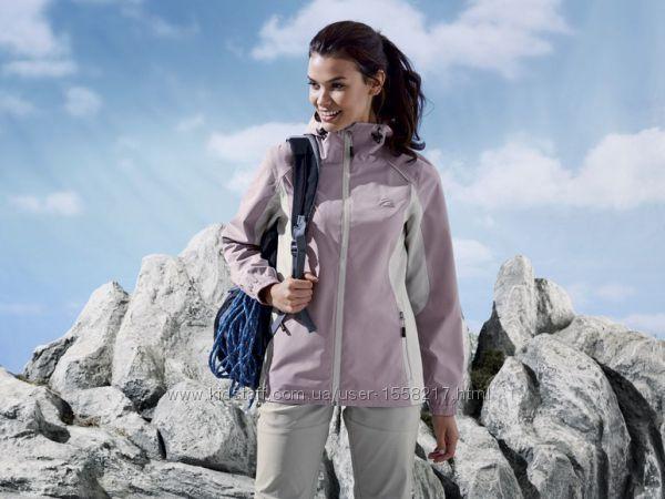 АкцияКлассная куртка-ветровка для женщины от немецкого бренда  Crivit