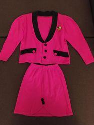 Ярко розовый нарядный костюм для девочки пиджак  юбка
