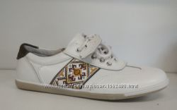 B&g фирменные кожаные туфли, кроссовки с супинатором