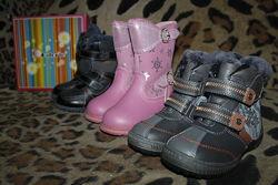 Зимние кожаные сапоги ботинки на цигейке мальчику девочке три модели р26-31