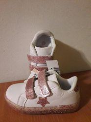 Стильные светящиеся кроссовки для девочки Alive
