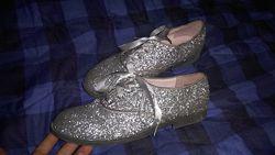 Продам стильные туфли 36 р. на девочку