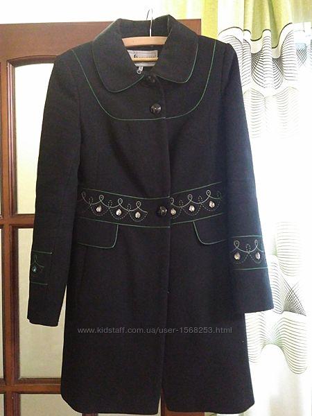Пальто зимнее шерстяное с утеплителем