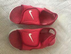 Босоножки Nike