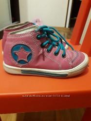 Демисезонные ботиночки на шнурках