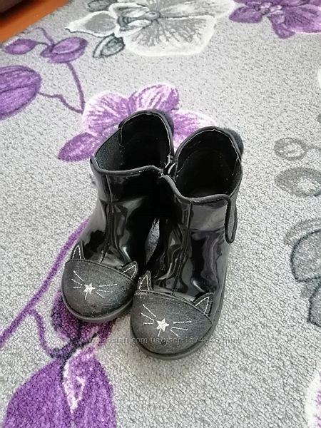 Ботинки для девочки от  Primark