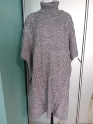 Теплое вязаное платье жилет с высоким горлом