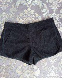 Гипюровые шорты черные