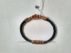Кожаный браслет с серебром в позолоте