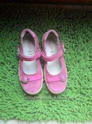 Розовые замшевые туфельки superfit, 30р отличное состояние
