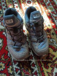 Отличные кожаные кроссовки Solomon р 40