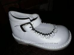 Аккуратные замшевые туфельки для малышек