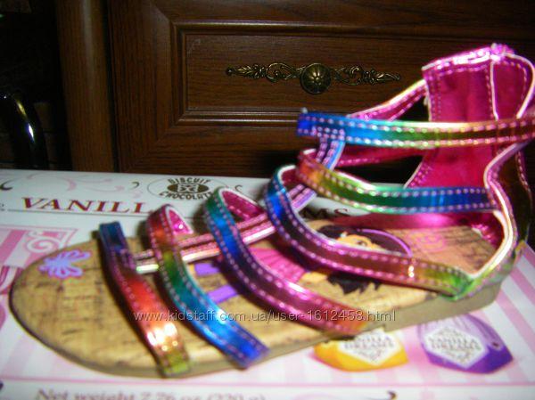 Распродажа неординарных кожаных босоножек для модных девченок, светятся
