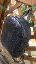 Рюкзак из натуральной кожи питона в наличии