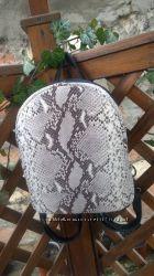 Рюкзак из натуральной кожи имитация питона