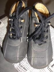 Кожаные ботиночки babybotte унисекс на 25 р