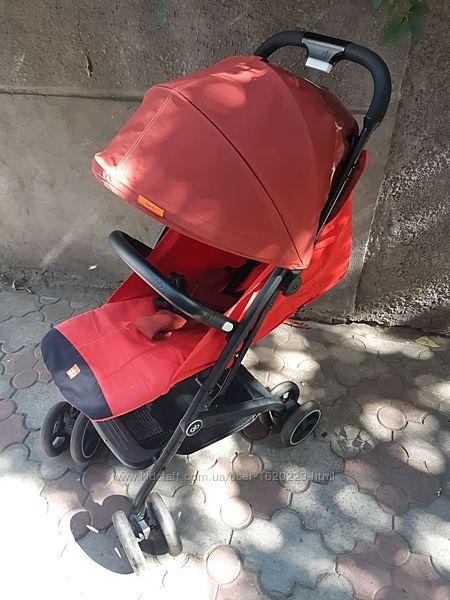 Продам прогулочную коляску gb qbit плюс красного цвета вес 7.6 кг