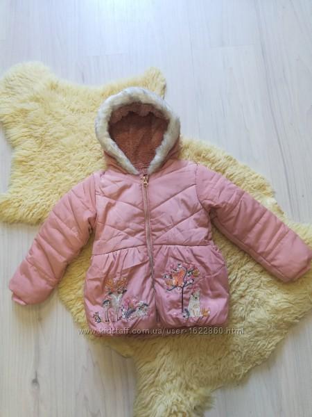 Красивая куртка на 3-4 лет