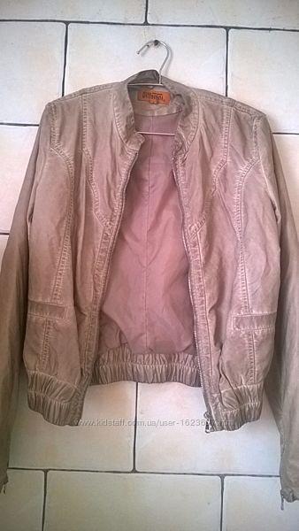 Куртка женская деми стильная размер M-L