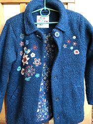продажа б/у пальто на весну размер  4-5Т, 5-6Т