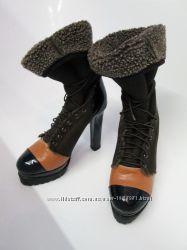 Прикольные ботинки 37 р на меху с яркой вставкой сапоги зима демисезон