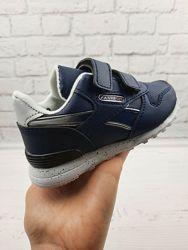 Зручні кросівки на липучках за приємною ціною