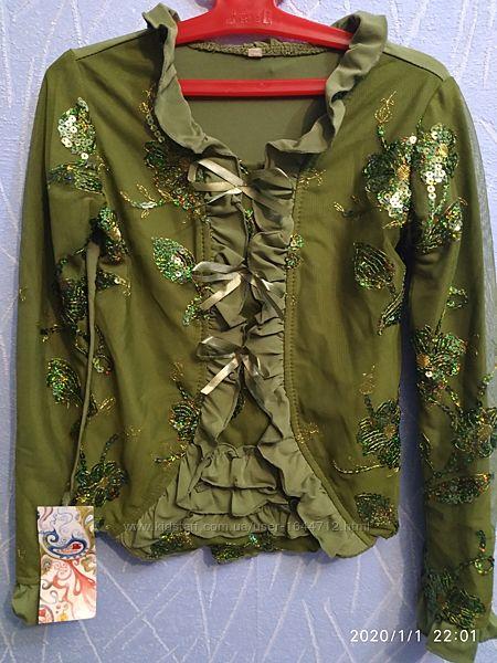 Блузка новая нарядная на девочку на рост 134 см